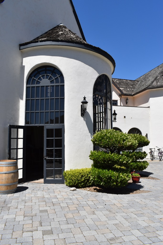 a castle-like entrance to folktale winery