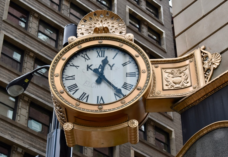 Architectural Tour of Chicago| Peacock Clock | Cathedrals and Cafes Blog